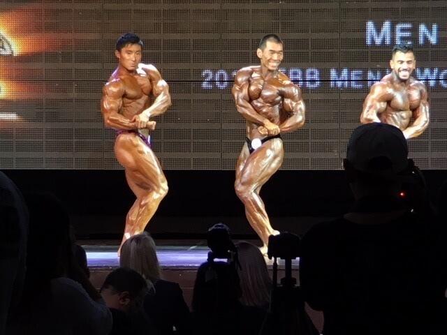 鈴木雅選手のサイドチェスト