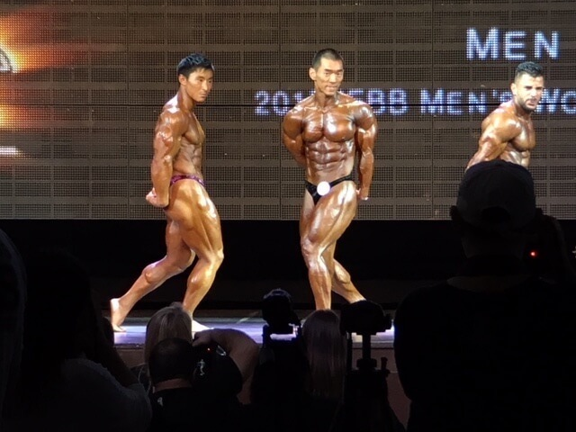 鈴木雅選手のサイドチェストポーズ2