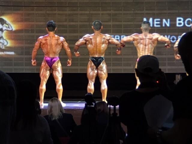 鈴木雅選手のリラックスポーズ