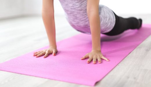 「ストレッチに筋肉痛予防・軽減の効果はない」という研究結果が多数