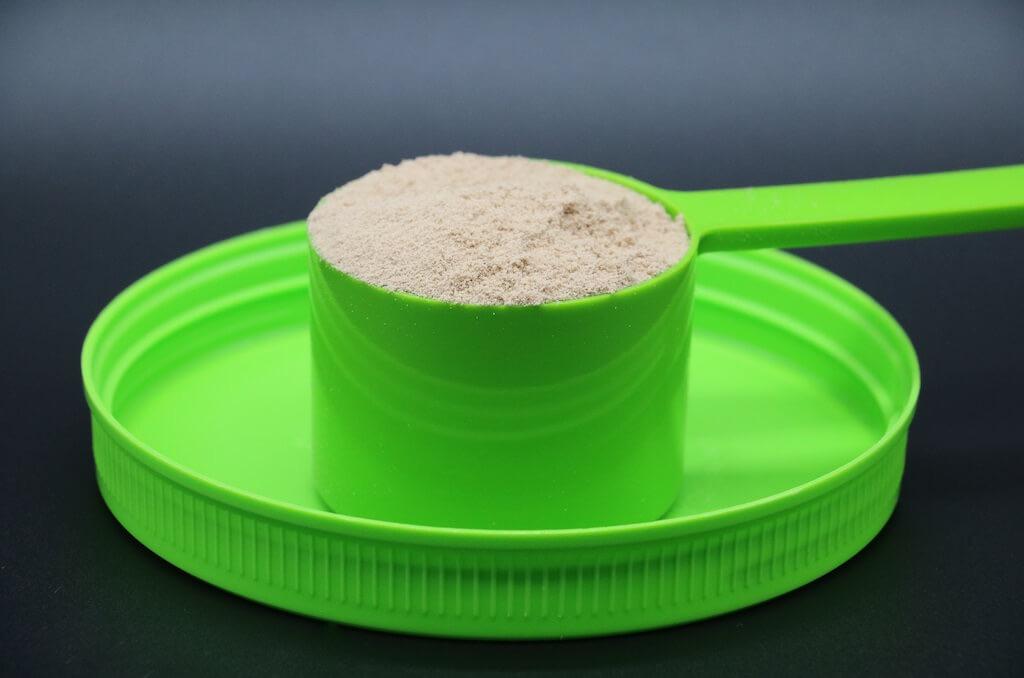 スプーン1杯で約25gのタンパク質を摂取できる