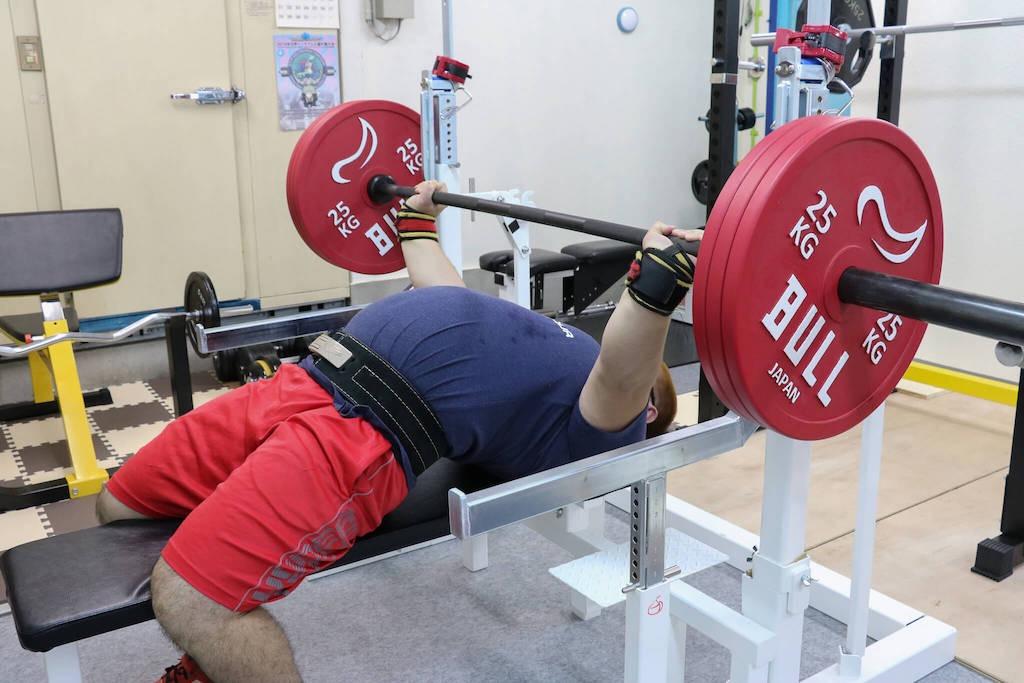 ウォームアップをするやすき選手170kg
